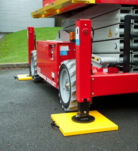 Hi-Viz Outrigger Pad for Scissor Lift